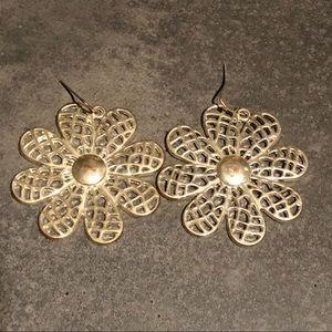 "🦚3 for $10🦚 90s silver tone flower earrings 3"""